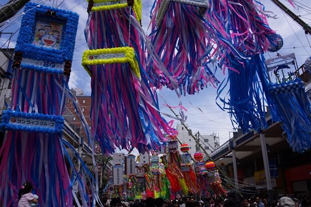 Photos: 平塚七夕飾りが舞う!130706