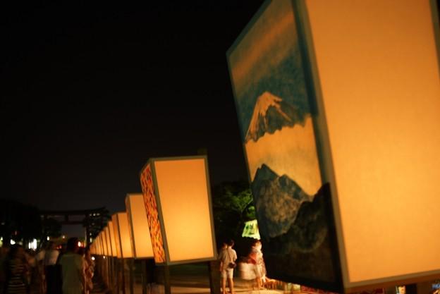 写真: ぼんぼりの富士山!130807