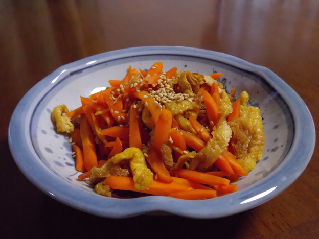 にんじんと揚げの炒め煮