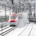 雪煙り上げて接近!はやて・こまち25号 北上駅
