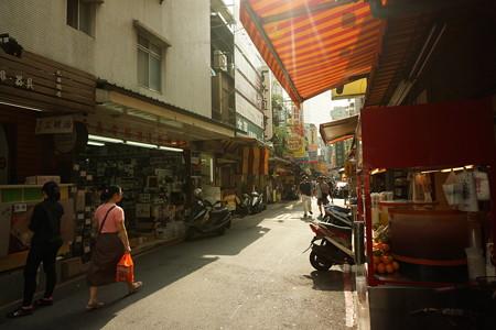 台湾電気街路地