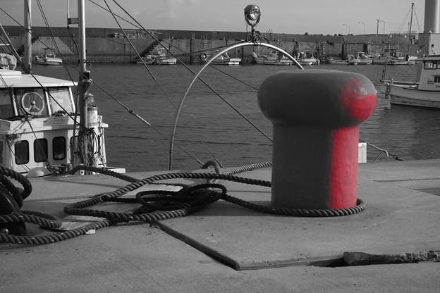 赤いボラード