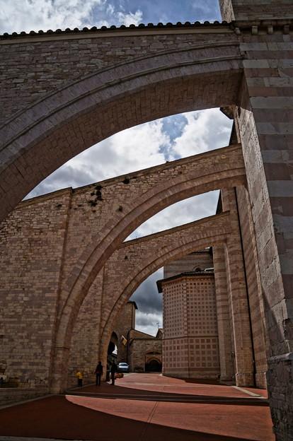 サンタ・キァーラ修道院(Basilica di Santa Chiara)
