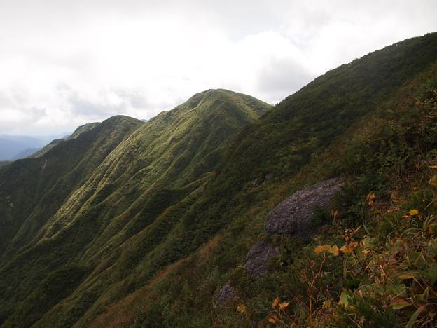 神室山の山ひだ