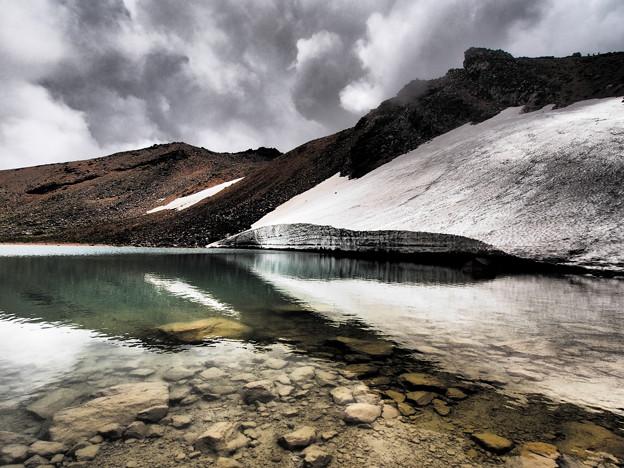 残雪の静水