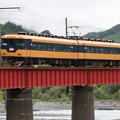 Photos: 急行電車が行く