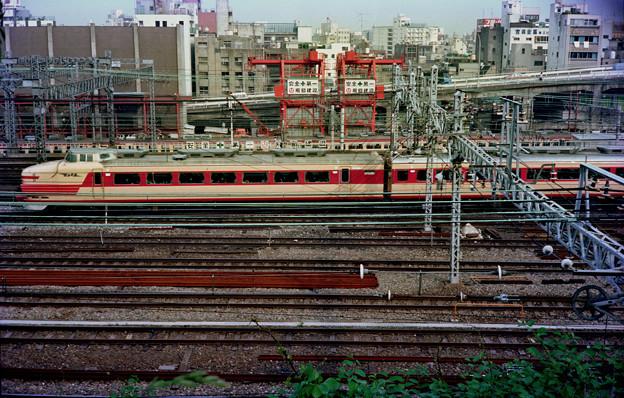 0012 181系特急とき&457系急行電車(34年前上野駅付近)