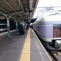 写真: E351系スーパーあずさ&383系しなの(松本)
