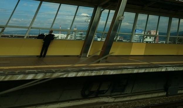 新富士駅と富士山