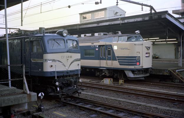 S58 22M金星クハネ583とEF58-96号機