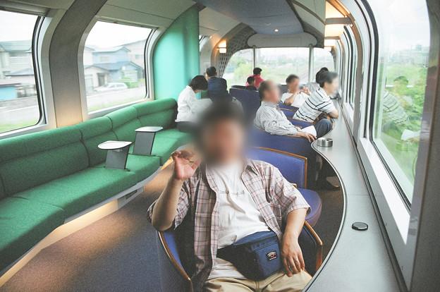 33 2003_6_28 カシオペア(上り)展望車で一服