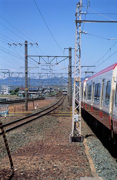 Photos: 東海道線快速列車は遥か彼方へ