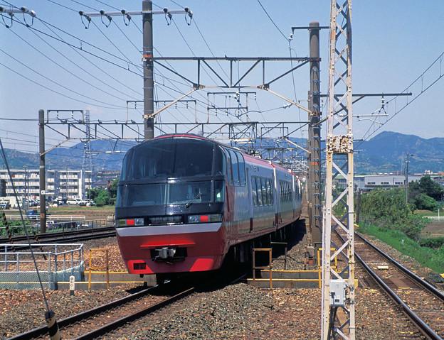 飯田線列車が下ると間もなく名鉄電車も下ります