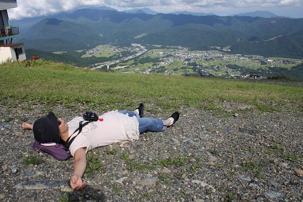 2008年8月〔24〕白馬旅行 八方尾根スキー場で贅沢な昼寝