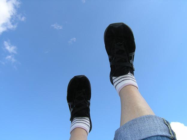 2008年8月〔24-2〕白馬旅行 昼寝しながら空を歩く(妻撮影)