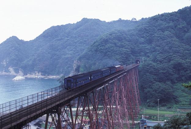 1986年8月山陰旅062KR 山陰本線 餘部鉄橋と旧客(再スキャン)