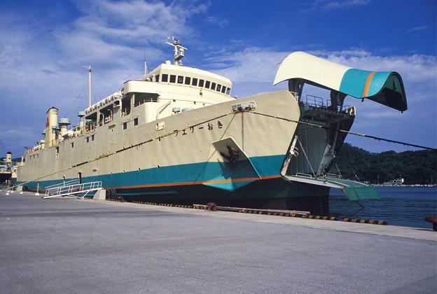 1986年8月山陰旅064 七類港 隠岐汽船(再スキャン)