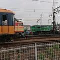 Photos: 定期列車と留置車両