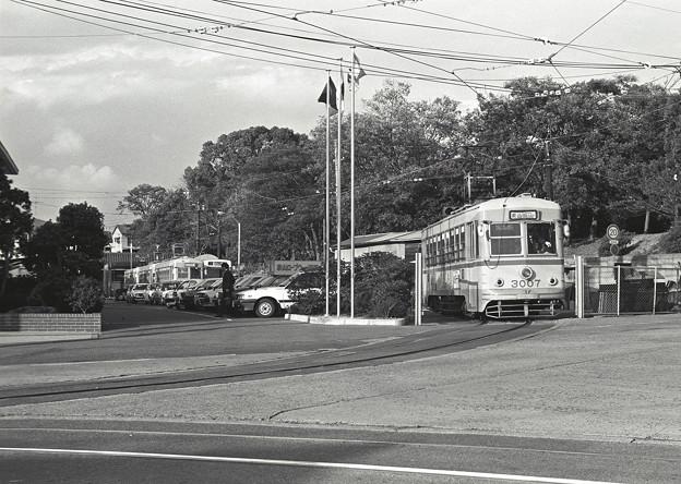 1986年頃 岡電 東山車庫を出る旧型市電
