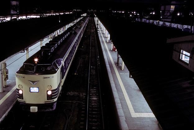 1992年7月(KR)青森駅で発車を待つ寝台特急電車「はくつる」その2