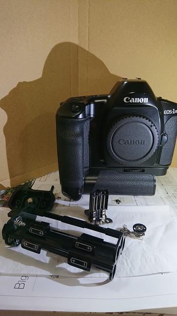 単三電池8本の超重いカメラ