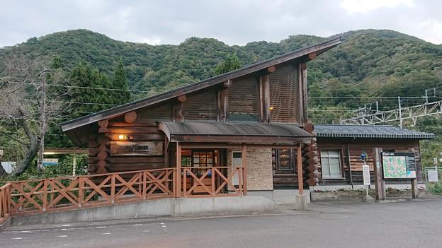 新疋田駅 駅舎
