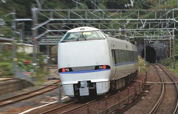 【ネガ】新疋田駅 683系 後追い