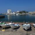 写真: 夏の漁港