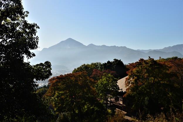 写真: 小鹿坂峠から・・・