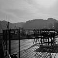 写真: テ-ブルのある風景