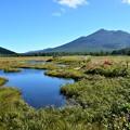 Photos: 池塘と燧ヶ岳