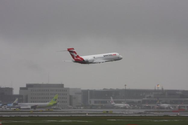 Boeing 717 N406BC ズイブン低いTakeoff