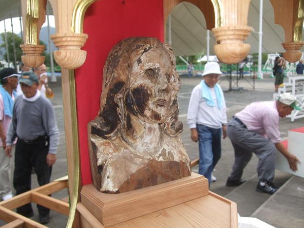 焼けたマリア像