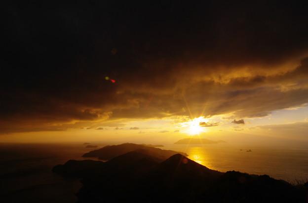 Photos: 眩しい夕陽
