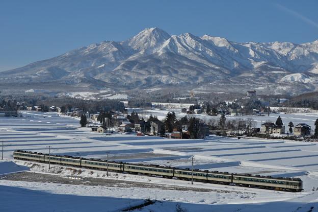 雪晴れの妙高山
