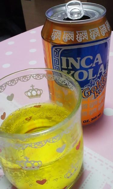 インカコーラ初めて飲んでみたけど美味しい!ルートビアやメッコール.