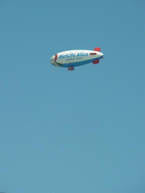 0830 メットライフアリコ 飛行船 049