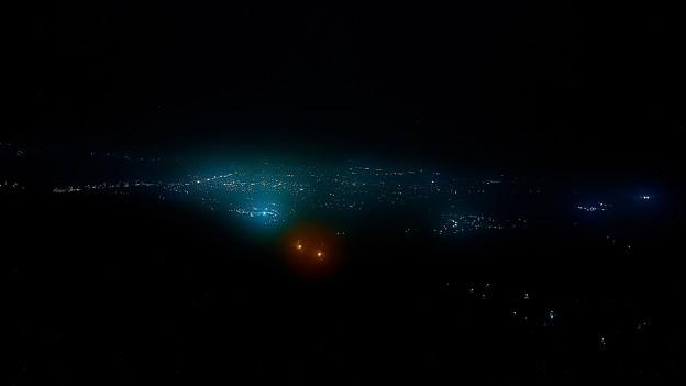 霧の中での夜景