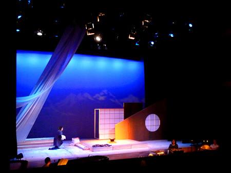 團 伊玖磨 オペラ 夕鶴 倉石 真 与ひょう パリ日本文化会館 photographed by © Yoshiko Itsubo