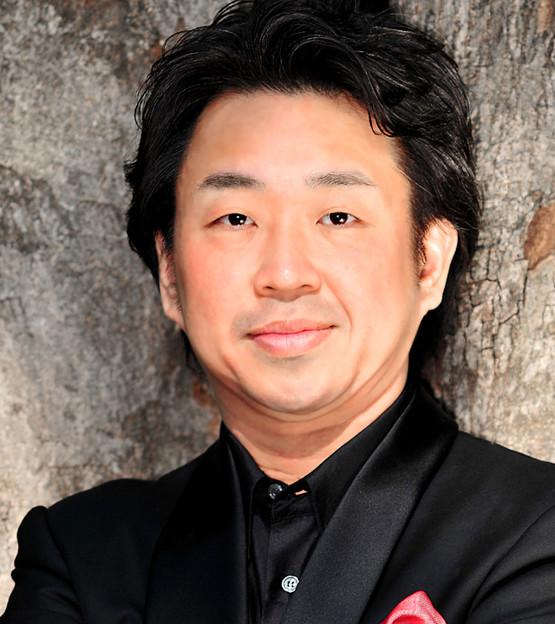 Makoto Kuraishi  Chanteur d'opéra ténor japonais ( Français )