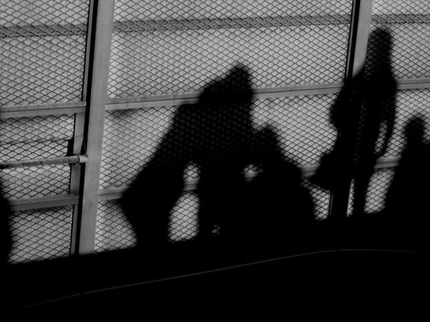 駅で見つけた影