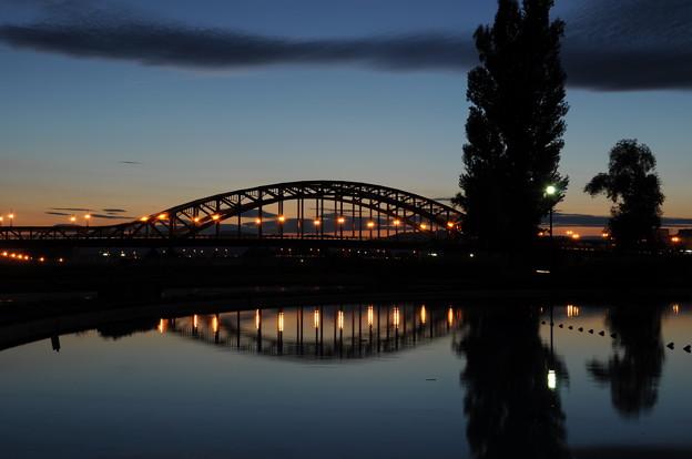 夕暮れ時の旭橋 2012年9月