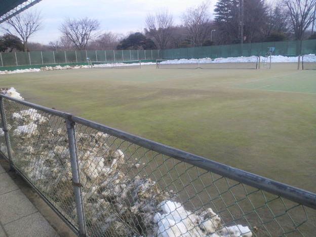 除雪後のテニスコート