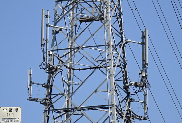 中富線91号鉄塔のアンテナ群