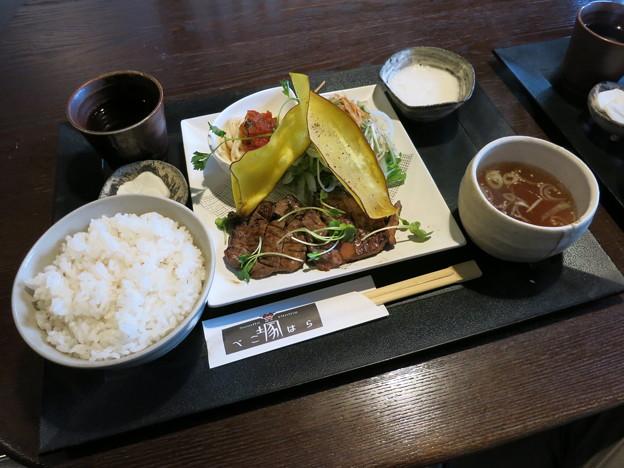 べこ塚はら(富山市高屋敷)