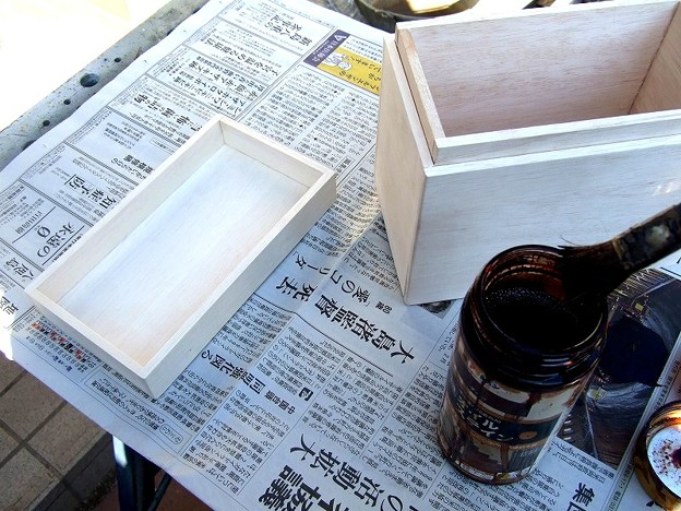 燗銅壺の箱を製作 塗装開始