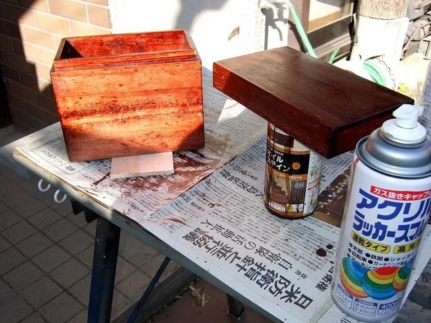 乾燥を終えてからクリアラッカーを塗る