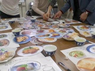 バランスのとれた食事を(富士見町内会)。