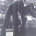 Photos: 海士代表献花(平成20年10月20日)。