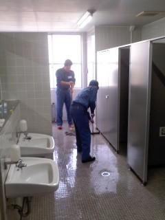 甲板掃除(2月1日、横須賀教育隊)